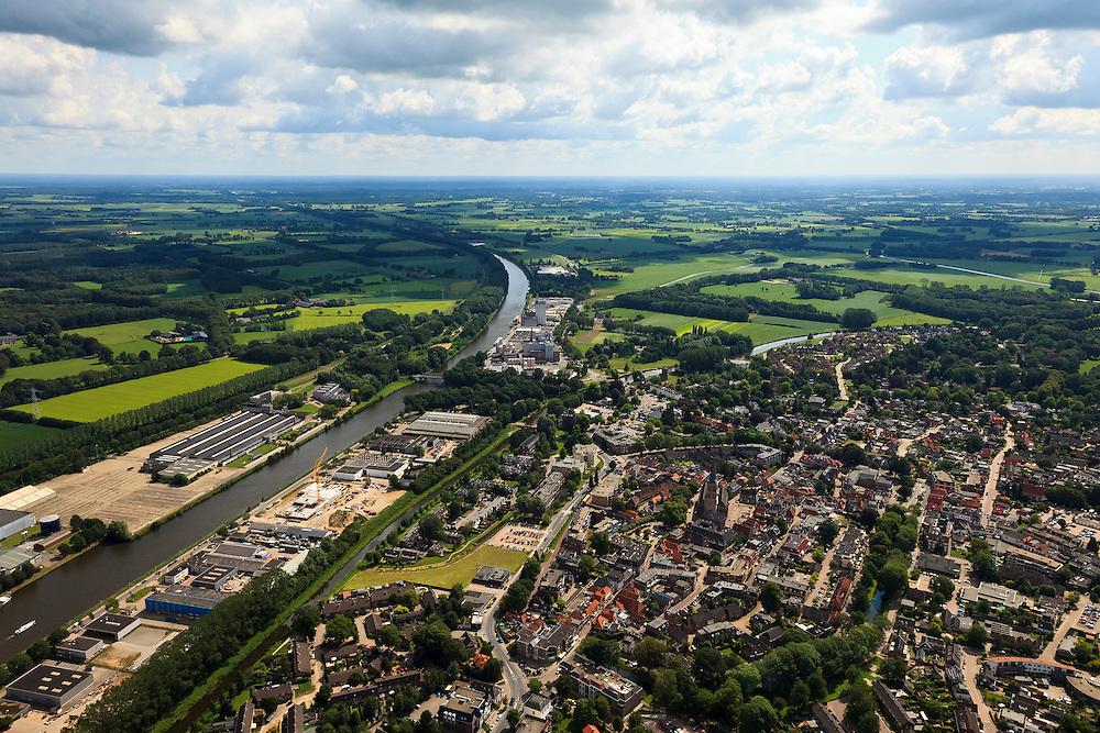 Nederland, Gelderland, Lochem, 30-06-2011;.Zicht op het centrum van Lochem met links het Twentekanaal. luchtfoto (toeslag), aerial photo (additional fee required).copyright foto/photo Siebe Swart