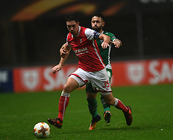 BRAGA, Oct. 20, 2017  Nikola Vukcevic(L) of Braga vies with Wanderson of Ludogorets during the Europa League soccer match between SC Braga and PFC Ludogorets 1945 at the Braga Municipal Stadium in Braga, Portugal, on Oct. 19, 2017. (Credit Image: © Zhang Liyun/Xinhua via ZUMA Wire)
