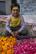 Flower Seller<br /> Bateshwar Temple<br /> Bateshwar Village, Agra District on banks of Yamuna River<br /> Uttar Pradesh, India