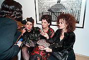 JENNY ROSE; PALOMA FAITH; LULU GUINNESS; HELENA BONHAM-CARTER; , Lulu Guinness And Rob Ryan Fan Bag - Launch Party. Air Gallery. London. 10 November 2010.  -DO NOT ARCHIVE-© Copyright Photograph by Dafydd Jones. 248 Clapham Rd. London SW9 0PZ. Tel 0207 820 0771. www.dafjones.com.