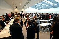 20 MAR 2007, BERLIN/GERMANY:<br /> Abgeordnete der CDU/CSU Fraktion, vor Beginn einer CDU/CSU Fraktionssitzung, Sitzungsaal, Deutscher Bundestag<br /> IMAGE: 20070320-01-034<br /> KEYWORDS: Sitzung