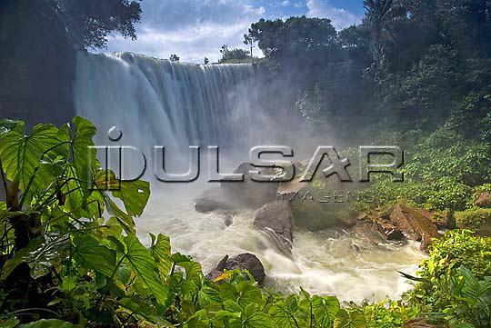 Cachoeira da Fumaça no Rio Balsas na cidade de Ponte Alta do Tocantins - Jalapão Local: Ponte Alta do Tocantins - TO Data: 02/2008 Tombo:  19DM052 Autor: Delfim Martins