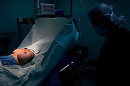 Cirugia estética, implante de mamas. Caracas, 07-05-08 (ivan gonzalez)