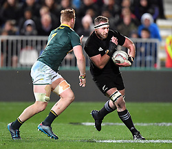New Zealand's Kieran Read, right, runs around South Africa's Jean-Luc du Preez in the Investic Championship rugby test match at QBE Stadium, Albany, Auckland New Zealand, Saturday, September 16, 2017. Credit:SNPA / Ross Setford** NO ARCHIVING**