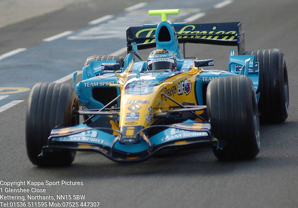 NELSON PIQUET JUNIOR Renault,  F1 Formula One Test Silverstone 19th September 2006 :Photo Mike Capps
