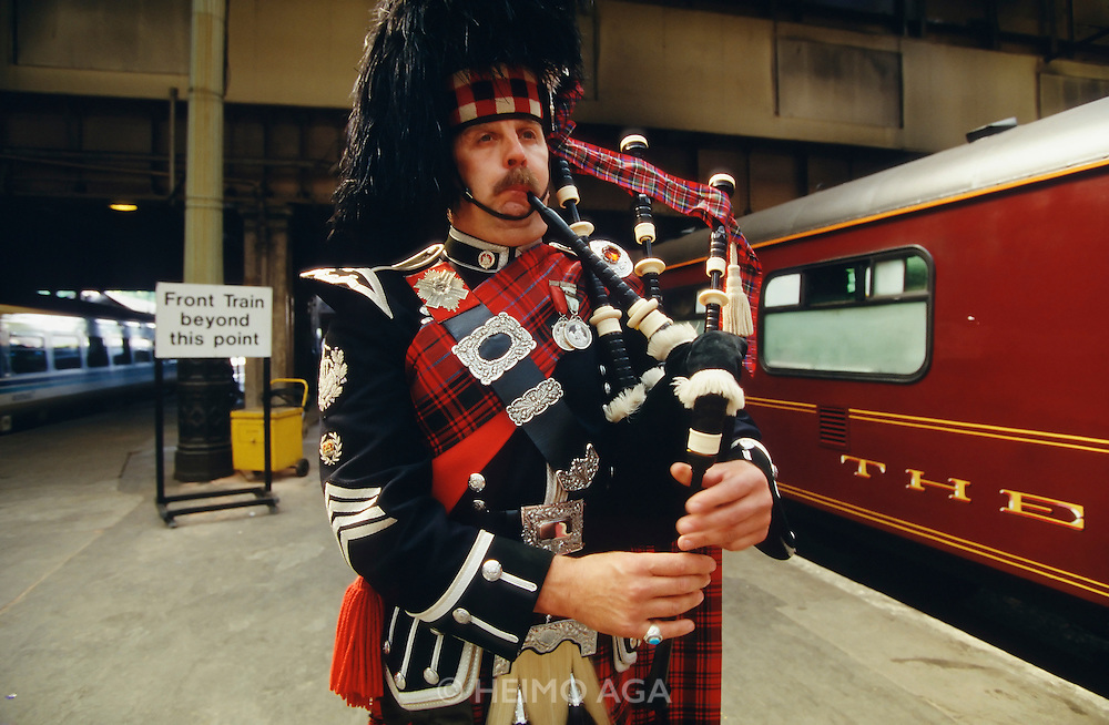 Welcome piper at Edinburgh station.