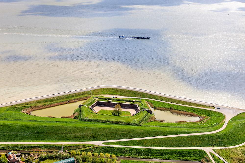 Nederland, Zeeland, Zuid-Beveland, 09-05-2013; Fort Ellewoutsdijk, gelegen aan de Westerschelde. <br /> Zak van Zuid-Beveland.<br /> Fortress situated on the Westerschelde (Western Scheldt), Southwest Holland.<br /> luchtfoto (toeslag op standard tarieven);<br /> aerial photo (additional fee required);<br /> copyright foto/photo Siebe Swart.