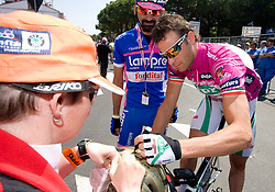 Alessandro Petacchi (ITA) of  Team LPR Brakes - Farnese Vini with fans at start point of the 198 km long 3rd stage from Grado, Italy to Valdobbiadene, Italy at 92nd Giro d'Italia, on May 11, 2009, in Grado, Italy.  (Photo by Vid Ponikvar / Sportida)