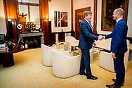 DEN HAAG - Koning Willem-Alexander ontvangt fractievoorzitter van de ChristenUnie, Gert-Jan Segers op Paleis Noordeinde in Den Haag. ANP POOL ROYAL IMAGES PATRICK VAN KATWIJK