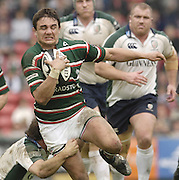 Leicester, ENGLAND. Tiger harry Ellis breaks with the ball during the first half of the Guinness Premiership, Rugby, Semi-Final. Leicester Tigers vs London Irish, at Welford Road, 14.05.2006. © Peter Spurrier/Intersport-images.com,  / Mobile +44 [0] 7973 819 551 / email images@intersport-images.com.   [Mandatory Credit, Peter Spurier/ Intersport Images].14.05.2006