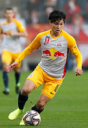 03.04.2019, Merkur Arena, Graz, AUT, OeFB Uniqa Cup, GAK vs Red Bull Salzburg, Halbfinale, im Bild Takumi Minamino (FC Red Bull Salzburg) // during the halffinal match of the ÖFB Uniqa Cup between GAK and Red Bull Salzburg at the Merkur Arena in Graz, Austria on 2019/04/03. EXPA Pictures © 2019, PhotoCredit: EXPA/ Erwin Scheriau