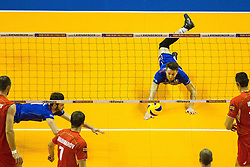 08.01.2016, Max Schmeling Halle, Berlin, GER, CEV Olympia Qualifikation, Frankreich vs Bulgarien, im Bild Julien?Lyneel (#11, Frankreich/France) und Niclas?Marechal (#16, Frankreich/France) hechten zum Ball (Hechtbagger, Abwehr) // during 2016 CEV Volleyball European Olympic Qualification Match between France and Bulgaria at the  Max Schmeling Halle in Berlin, Germany on 2016/01/08. EXPA Pictures © 2016, PhotoCredit: EXPA/ Eibner-Pressefoto/ Wuechner<br /> <br /> *****ATTENTION - OUT of GER*****
