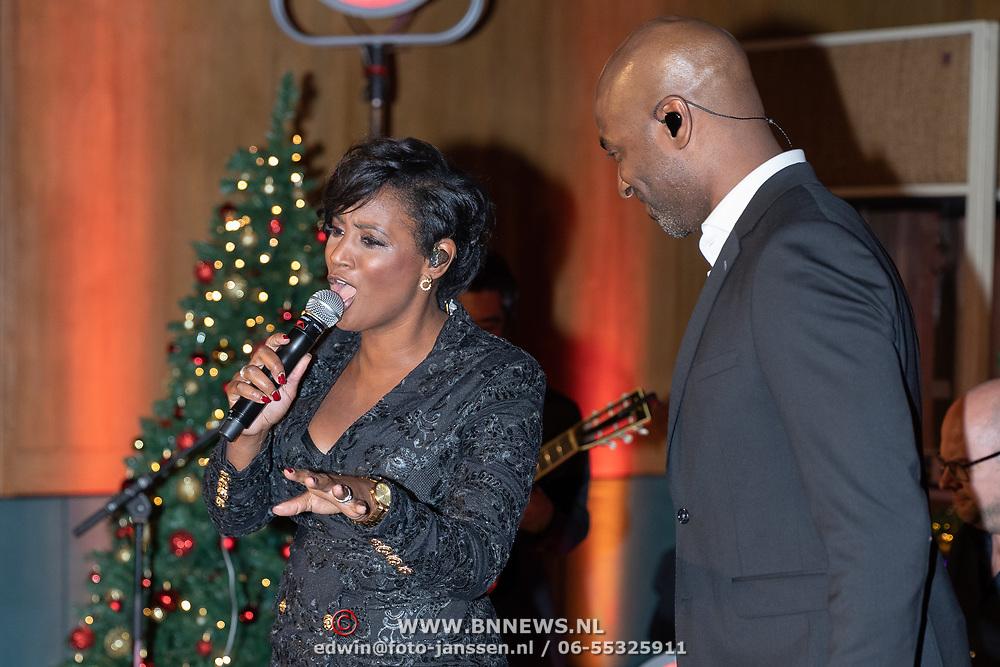 NLD/Hilversum/20181002 - Artiesten Holland zingt Kerst 2018, Karin Bloemen, Lee Towers, Dwight Dissel en Edsilia Rombley