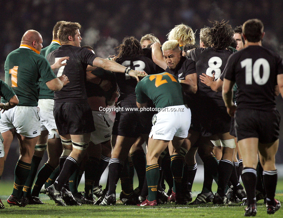All Black flanker Jerry Collins gets involved in a fight during the Tri Nations rugby test match between the All Blacks and South Africa at Carisbrook in Dunedin, New Zealand on Saturday 27 August, 2005. The All Blacks won 31-27. Photo: Hannah Johnston/PHOTOSPORT<br />