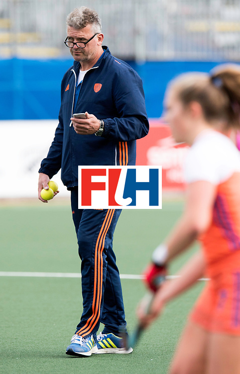 AUCKLAND - Sentinel Hockey World League final women<br /> Match id: 10299<br /> 09 NED v KOR (Pool A)<br /> Foto:  Simon ZYP Stand-In Manager <br /> WORLDSPORTPICS COPYRIGHT FRANK UIJLENBROEK