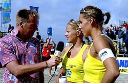 20-08-2006 VOLLEYBAL: NK BEACHVOLLEYBAL: SCHEVENINGEN<br /> Landstitel voor Rebekka Kadijk en Merel Mooren - Edward van Cuilenborg<br /> ©2006-WWW.FOTOHOOGENDOORN.NL