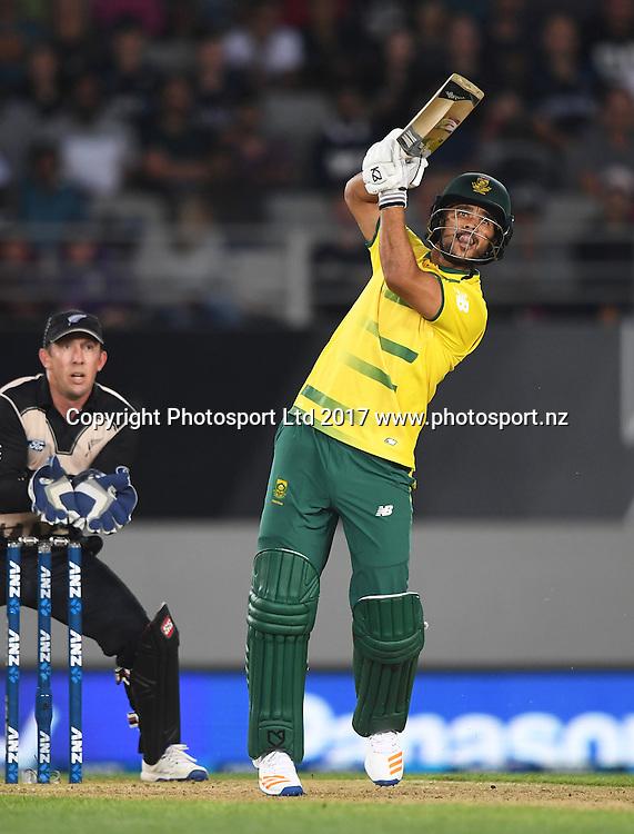 South African batsman Jean-Paul Duminy. International Twenty20 Cricket. New Zealand Black Caps v South Africa, Eden Park, Auckland, New Zealand. Friday 17 February 2017 © Copyright photo: Andrew Cornaga / www.photosport.nz
