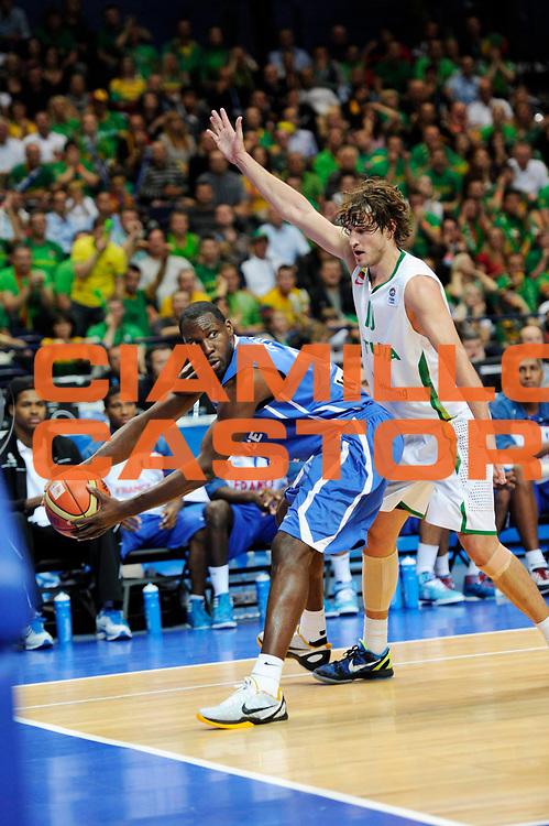 DESCRIZIONE : Vilnius Lithuania Lituania Eurobasket Men 2011 Second Round Lituania Francia Lithuania France<br /> GIOCATORE : Florent Pietrus<br /> CATEGORIA : palleggio penetrazione<br /> SQUADRA : Francia France<br /> EVENTO : Eurobasket Men 2011<br /> GARA : Lituania Francia Lithuania France<br /> DATA : 09/09/2011<br /> SPORT : Pallacanestro <br /> AUTORE : Agenzia Ciamillo-Castoria/JF Molliere<br /> Galleria : Eurobasket Men 2011<br /> Fotonotizia : Vilnius Lithuania Lituania Eurobasket Men 2011 Second Round Lituania Francia Lithuania France<br /> Predefinita :