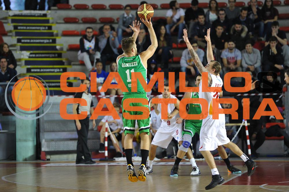 DESCRIZIONE : Roma LNP A2 2015-16 Acea Virtus Roma Mens Sana Basket 1871 Siena<br /> GIOCATORE : Alex Ranuzzi<br /> CATEGORIA : controcampo tiro ritardo<br /> SQUADRA : Mens Sana Basket 1871 Siena<br /> EVENTO : Campionato LNP A2 2015-2016<br /> GARA : Acea Virtus Roma Mens Sana Basket 1871 Siena<br /> DATA : 06/12/2015<br /> SPORT : Pallacanestro <br /> AUTORE : Agenzia Ciamillo-Castoria/G.Masi<br /> Galleria : LNP A2 2015-2016<br /> Fotonotizia : Roma LNP A2 2015-16 Acea Virtus Roma Mens Sana Basket 1871 Siena
