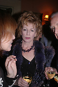 Edna O'Brien. Book party for Saturday by Ian McEwan, Polish Club, South Kensington.  4 February 2005. ONE TIME USE ONLY - DO NOT ARCHIVE  © Copyright Photograph by Dafydd Jones 66 Stockwell Park Rd. London SW9 0DA Tel 020 7733 0108 www.dafjones.com