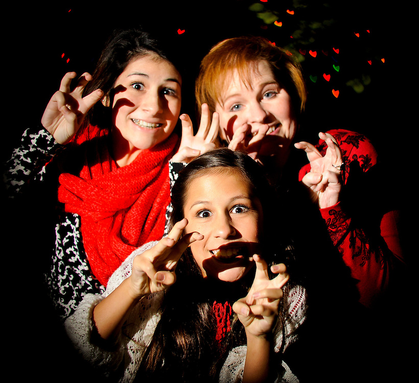 12/7/11 8:51:40 PM --  Medrano family photo shoot. December 7, 2011. Photo©Bahram Mark Sobhani