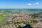 Nederland, Gelderland, Zutphen, 29-05-2019; Overzicht van de binnenstad met Sint Walburgiskerk en Librije, links rivier de IJssel. Gezien vanuit het Zuiden.<br /> Overview of the town with St. Walburga Church and Librije (medieval library).<br /> <br /> luchtfoto (toeslag op standard tarieven);<br /> aerial photo (additional fee required);<br /> copyright foto/photo Siebe Swart