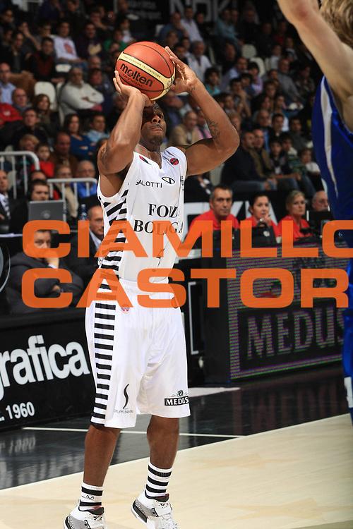 DESCRIZIONE : Bologna Lega A 2009-10 Basket Virtus Bologna Martos Napoli<br />GIOCATORE : Scoonie Penn<br />SQUADRA : Virtus Bologna Martos Napoli<br />EVENTO : Campionato Lega A 2009-2010<br />GARA : Virtus Bologna Martos Napoli<br />DATA : 25/10/2009<br />CATEGORIA : Tiro<br />SPORT : Pallacanestro<br />AUTORE : Agenzia Ciamillo-Castoria/G.Livaldi