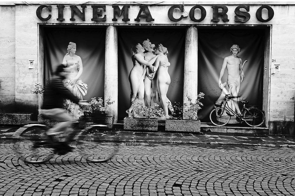 street photography, foto burim myftiu