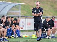Cheftræner Morten Eskesen (FC Helsingør) kigger på under kampen i 2. Division mellem HIK og FC Helsingør den 30. august 2019 i Gentofte Sportspark (Foto: Claus Birch).