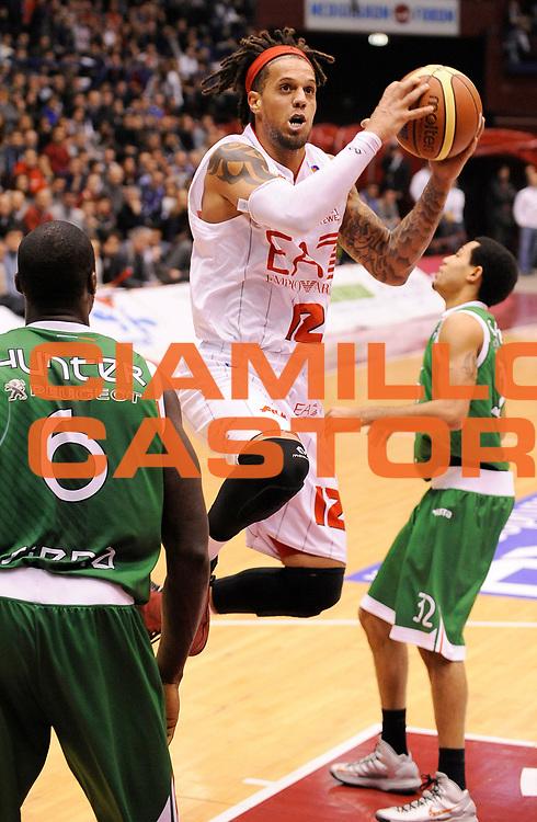 DESCRIZIONE : Milano Campionato LegaA 2013-14 EA7 Emporio Armani Milano Montepaschi Siena<br /> GIOCATORE : Daniel Hackett<br /> CATEGORIA : Tiro penetrazione<br /> SQUADRA : EA7 Emporio Armani Milano<br /> EVENTO : Campionato LegaA 2013-14<br /> GARA : EA7 Emporio Armani Milano Montepaschi Siena<br /> DATA : 12/01/2014<br /> SPORT : Pallacanestro <br /> AUTORE : Agenzia Ciamillo-Castoria/  A. Giberti<br /> Galleria : Campionato LegaA 2013-14  <br /> Fotonotizia : Milano Campionato LegaA 2013-14 EA7 Emporio Armani Milano Montepaschi Siena<br /> Predefinita :