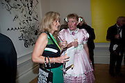 LADY MYNERS; GRAYSON PERRY, Annual Dinner. Royal Academy of Arts. Piccadilly. London. 8 June 2010. -DO NOT ARCHIVE-© Copyright Photograph by Dafydd Jones. 248 Clapham Rd. London SW9 0PZ. Tel 0207 820 0771. www.dafjones.com.