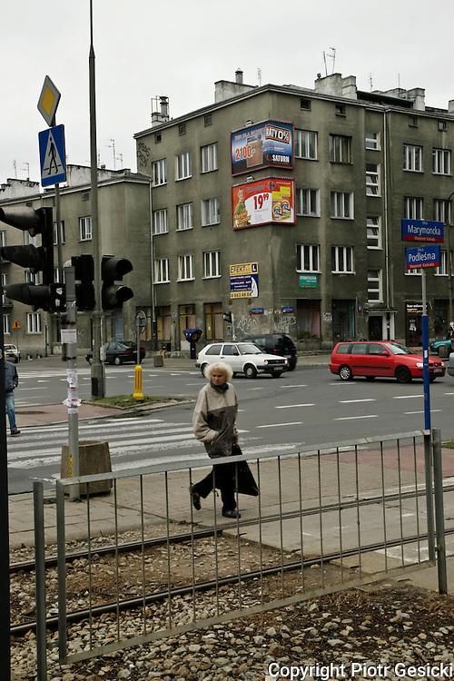 04.10.2006 Warszawa kamienice na rogu ul Marymoncka i Podczaszynskiego.Fot Piotr Gesicki