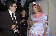 Mark Wallinger, Anna Barriball and Grayson Perry, The  Summer party, hosted by the Serpentine Gallery and Robert Cavalli, 16 June 2004. 16 June 2004. SUPPLIED FOR ONE-TIME USE ONLY> DO NOT ARCHIVE. © Copyright Photograph by Dafydd Jones 66 Stockwell Park Rd. London SW9 0DA Tel 020 7733 0108 www.dafjones.com