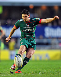 Owen Williams of Leicester Tigers kicks a last minute penalty to draw the match 21 all - Photo mandatory by-line: Patrick Khachfe/JMP - Mobile: 07966 386802 16/11/2014 - SPORT - RUGBY UNION - Leicester - Welford Road - Leicester Tigers v Saracens - Aviva Premiership