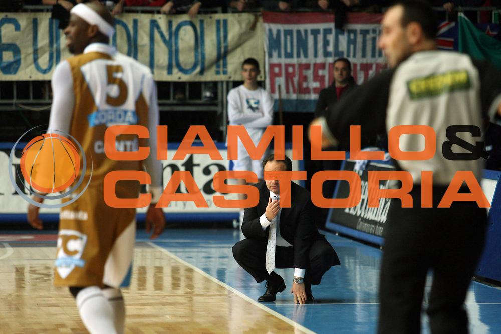 DESCRIZIONE : Cantu Lega A1 2006-07 Tisettanta Cantu Bipop Reggio Emilia<br /> GIOCATORE : Sacripanti<br /> SQUADRA : Tisettanta Cantu<br /> EVENTO : Campionato Lega A1 2006-2007<br /> GARA : Tisettanta Cantu Bipop Reggio Emilia<br /> DATA : 31/12/2006<br /> CATEGORIA : Delusione<br /> SPORT : Pallacanestro<br /> AUTORE : Agenzia Ciamillo-Castoria/S.Ceretti<br /> Galleria : Lega Basket A1 2006-2007<br /> Fotonotizia : Cantu Campionato Italiano Lega A1 2006-2007 Tisettanta Cantu Bipop Reggio Emilia<br /> Predefinita :