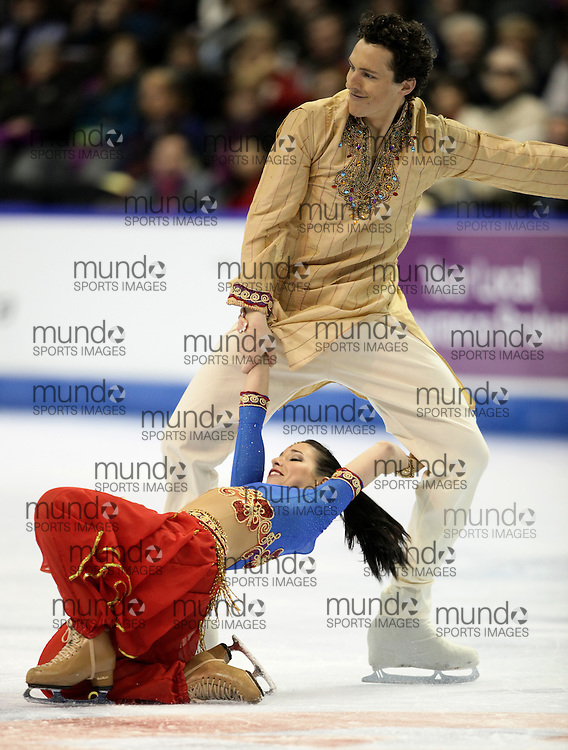 London, Ontario ---10-01-15--- Mylene Girard and Jonathan Pelletier skate their short program at the 2010 BMO Canadian Figure Skating Championships in London, Ontario, January 15, 2010. .GEOFF ROBINS/Mundo Sport Images..