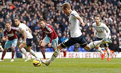 Tottenham Hotspur's Harry Kane takes a penalty - Photo mandatory by-line: Mitchell Gunn/JMP - Mobile: 07966 386802 - 22/02/2015 - SPORT - football - London - White Hart Lane - Tottenham Hotspur v West Ham United - Barclays Premier League