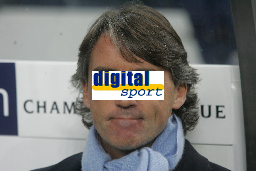 "PORTUGAL - PORTO 23 FEBRUARY 2005: Inter FC coach ROBERTO MANCINI, First Knock-out Round First Leg of the UEFA Champions League, match FC Porto (1) vs FC Internazionale (1), held in ""Dragao"" stadium  23/02/2005  19:17:07<br />