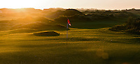 TEXEL- Cocksdorp-TEXELSE GOLF. Zonsopgang,  zon op. sunrise, COPYRIGHT KOEN SUYK