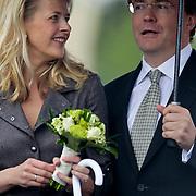 NLD/Wemeldinge/20100430 -  Koninginnedag 2010, Mabel en partner Johan Friso