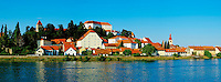 Slovenie, region de Basse-Styrie, Ptuj, ville sur les rives de la Drava (Drave) // Slovenia, Lower Styria Region, Ptuj, town on the Drava River banks