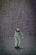 HIROAKI UMEDA présente HOLISTIC STRATA<br /> , A/VISIONS 1 :: BALLET ÉLECTRONIQUE  <br /> Théâtre Maisonneuve, vendredi 29 mai,<br /> Images, projections et corps tourbillonnent au son d'une musique minimaliste créée par des artistes aux multiples facettes. Ces expériences en direct plongent les sens dans de nouveaux univers sonores et visuels génératifs, où illusion et réalité se mêlent à l'harmonie humaine high-tech.