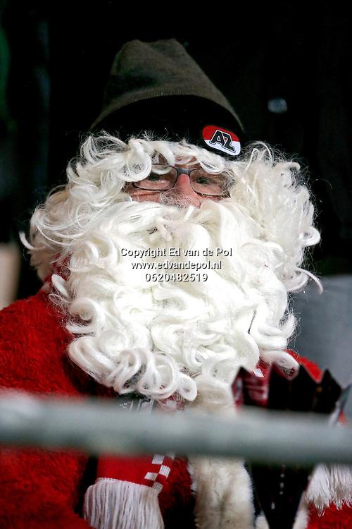 ALKMAAR - 20-12-2014 - AZ - FC Utrecht,  AFAS Stadion, supporter, kerstman.