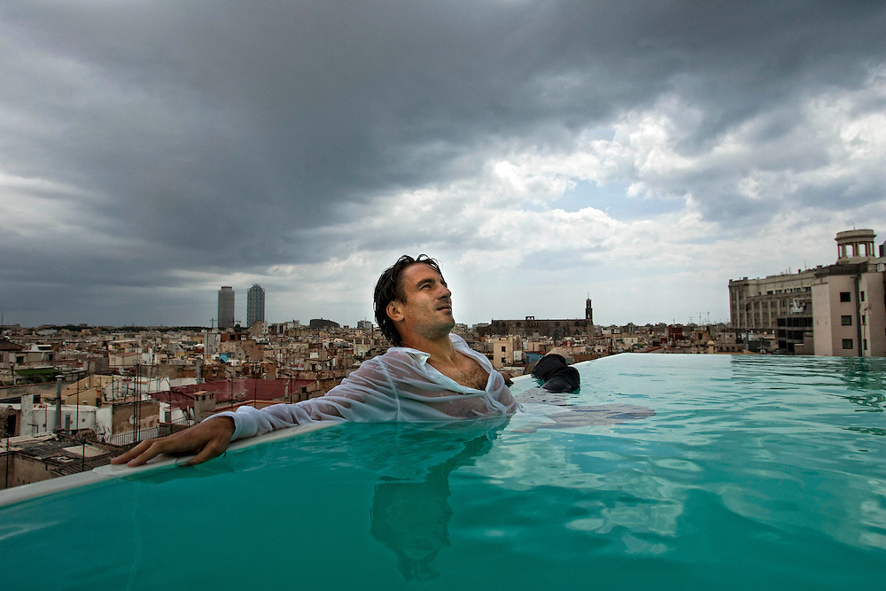 Barcelona, Spain<br /> Tommy Robredo,the tnnis palyer, at the swimming pool of the Hotel Gran Central.<br /> &copy;Carmen Secanella