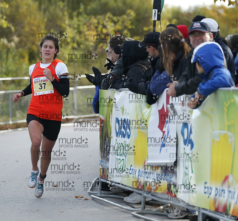 "(Toronto, Ontario -- 17 Oct 2009) CHANTELL WIDNEY competing in the 2009 OASIS Zoo Run 10K run and Athletics Canada national 10 km road racing championship at the Toronto Zoo. [Photo credit should read ""Sean Burges / Mundo Sport Images""]"