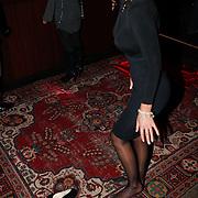 NLD/Amsterdam/20101008 - Onthulling Playboy cover Sanne Kraaijkamp, Dorien Rose Duinker heeft pijnlijke voeten