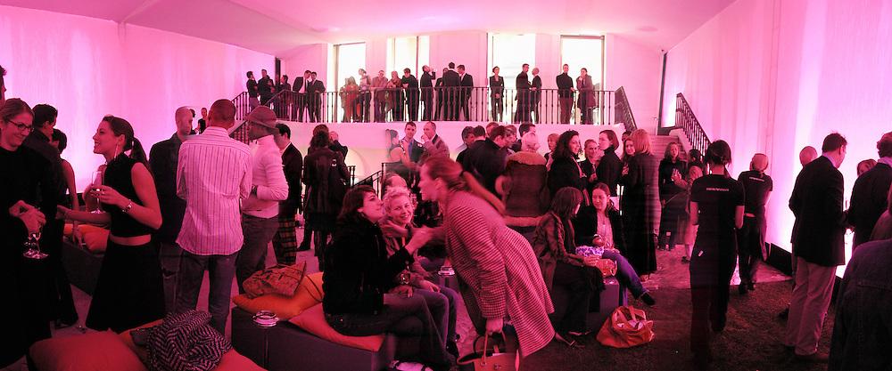 Armani shop opening. New Bond St. 19/2/02© Copyright Photograph by Dafydd Jones 66 Stockwell Park Rd. London SW9 0DA Tel 020 7733 0108 www.dafjones.com