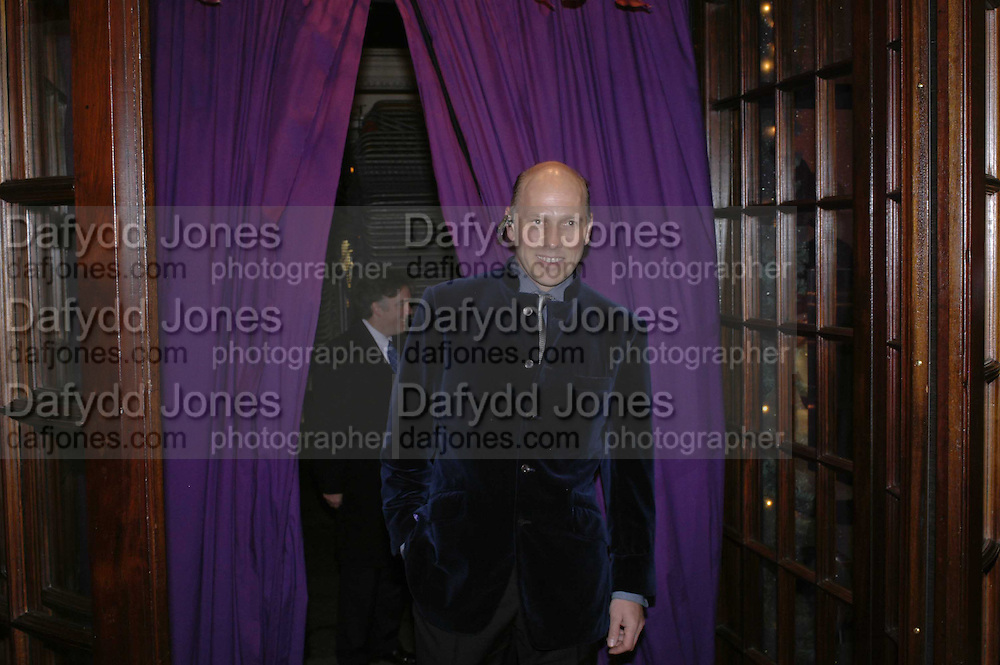 Peregrine Armstrong-Jones, THE CHRISTMAS PARTY CELEBRATING THE 225TH ANNIVERSARY OF ASPREY. 167 NEW BOND ST. LONDON W1. 7 DECEMBER 2006. ONE TIME USE ONLY - DO NOT ARCHIVE  © Copyright Photograph by Dafydd Jones 248 CLAPHAM PARK RD. LONDON SW90PZ.  Tel 020 7733 0108 www.dafjones.com