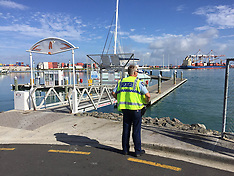 Tauranga-Police searching for wharf worker in harbour