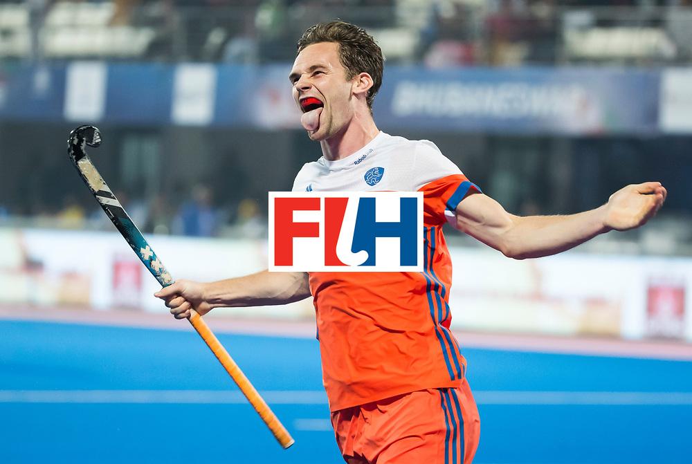 BHUBANESWAR - Mirco Pruyser (Ned) heeft gescoord bij de shoot-outs,  tijdens de Hockey World League Finals , de kwartfinale wedstrijd Duitsland-Nederland (3-3).Duitsland wint na shoot-outs.    COPYRIGHT KOEN SUYK